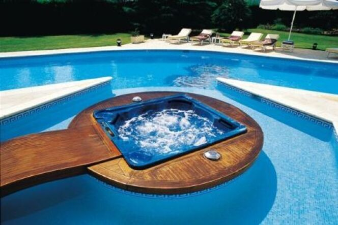 """Maîtriser l'eau de votre spa en cas de forte chaleur ou de canicule<span class=""""normal italic petit"""">© Clair Azur</span>"""