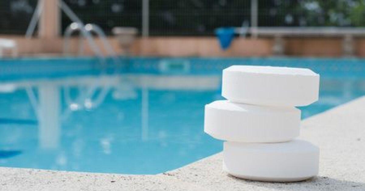Manipulation des produits de traitement de l eau for Traitement de l eau piscine