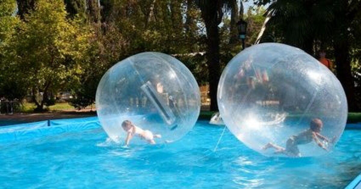 Marchez sur l eau de votre piscine gr ce aux water balls for Piscine grace de dieu