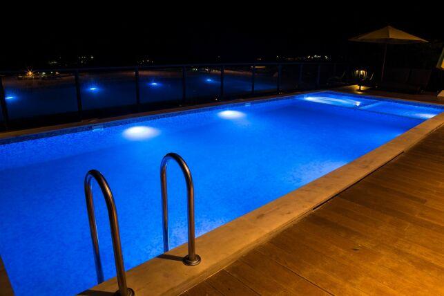 Margelles de piscine en béton