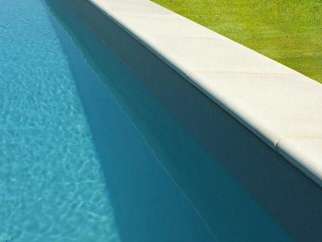 Margelles de piscine Ténéré en pierres reconstituée