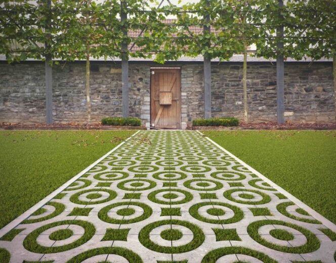 """Marlux et le pavé Virage pour créer des allées de jardin originales<span class=""""normal italic petit"""">© Marlux</span>"""