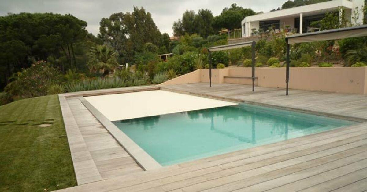Piscine mcp la seyne sur mer la seyne sur mer for Accessoire piscine professionnel