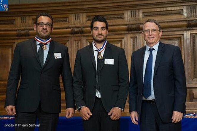 """Grégory Maire, Guillaume Piquet et Danniel Bonnard lors de la remise des prix<span class=""""normal italic petit"""">© Thierry Samuel</span>"""