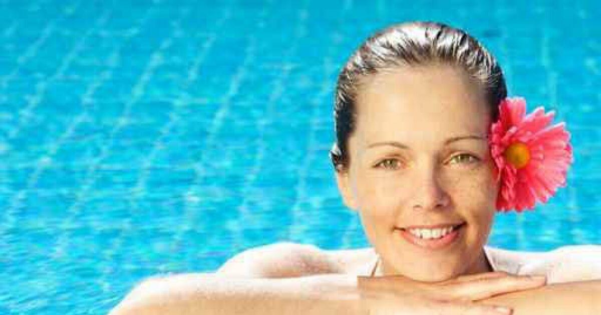 Le micro bikini tout petit petit bikini guide - Maillot de bain transparent piscine ...