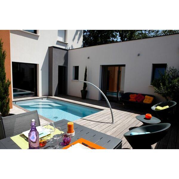 Mini piscine avec escalier d angle et arc de nage - Prix d une mini piscine ...