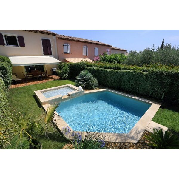 Mini piscine en b ton ixess - Mini piscine beton ...