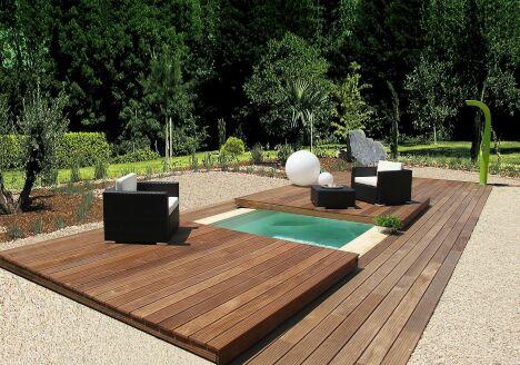 """Mini-Water avec plancher escamotable bois par Aquilus<span class=""""normal italic petit"""">© Aquilus Piscines</span>"""