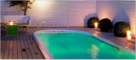 Mini bassin de nage avec propulsion de jets.