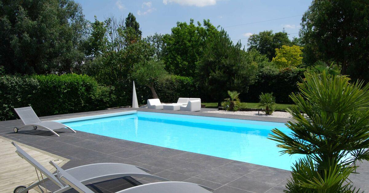 Reportage photos piscines rectangulaires diaporama for Construction piscine creusee