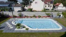 Terrassement et livraison d'une piscine Waterair