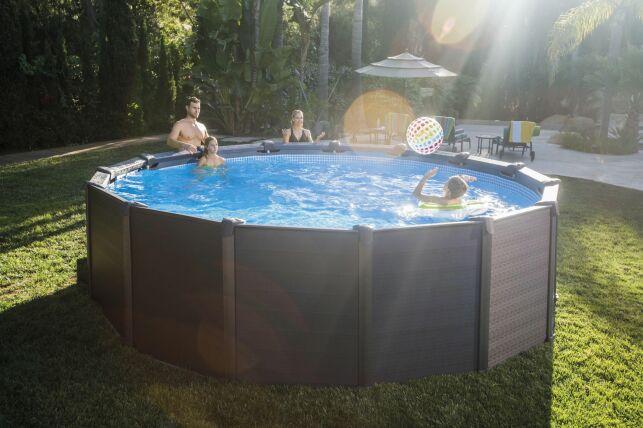 Modèle de piscine Graphite, par Intex