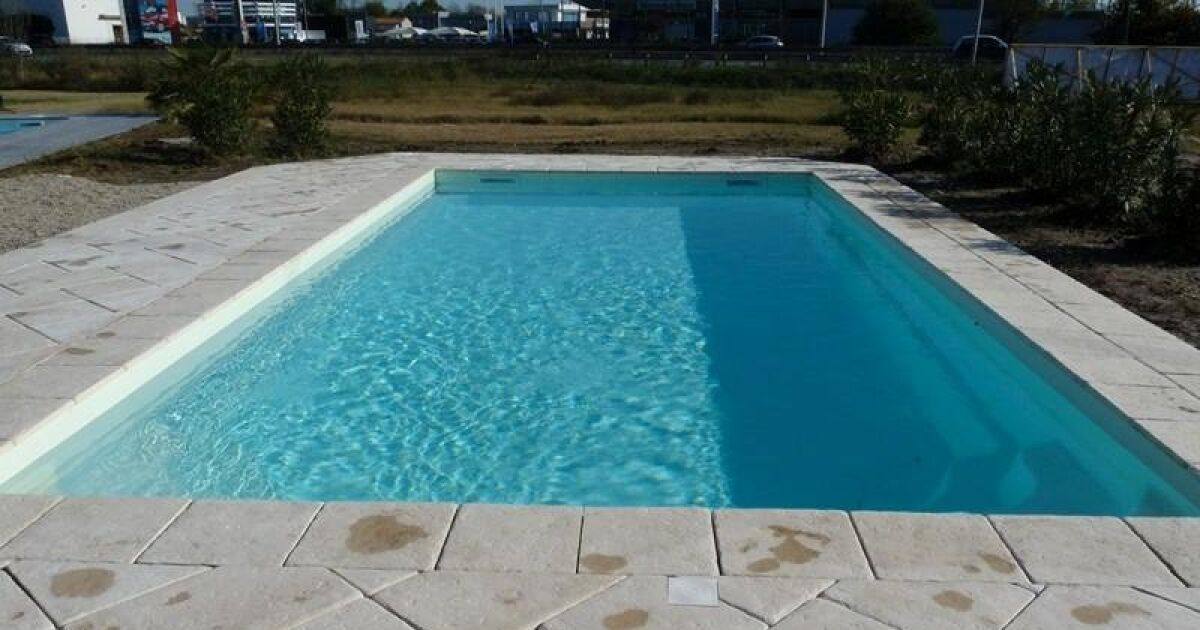 Coque de piscine avec volet int gr skorpios excellence for Modele piscine