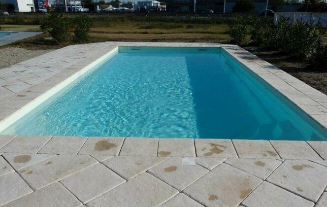 Modèle Orana-Cover, gamme Escale Premium, par P.I.D Escales Piscines © http://www.escale-piscines.fr