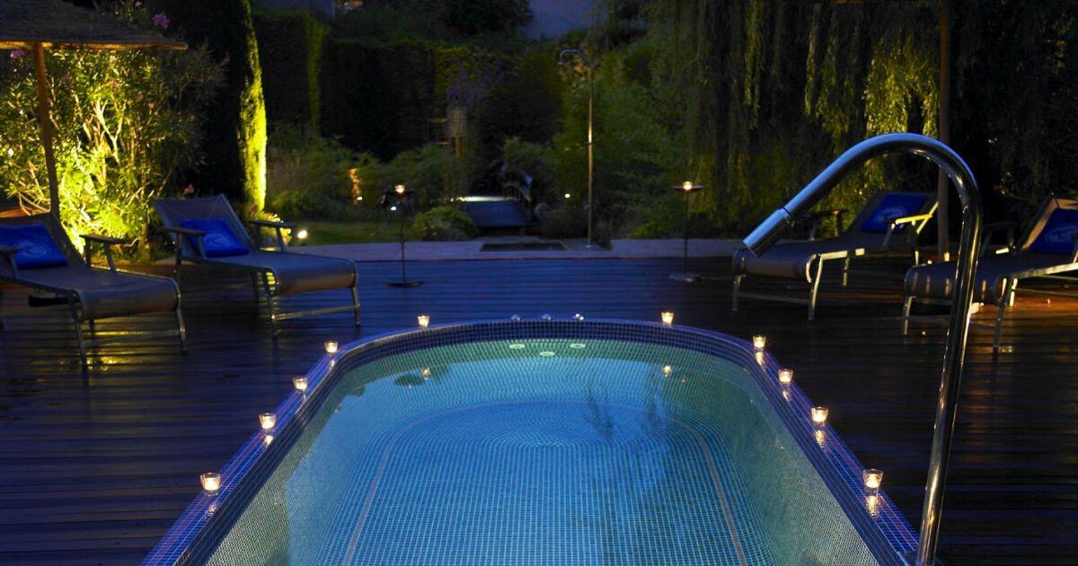 les plus beaux spas de nage en photos spa de nage mosa que par clair azur photo 7. Black Bedroom Furniture Sets. Home Design Ideas