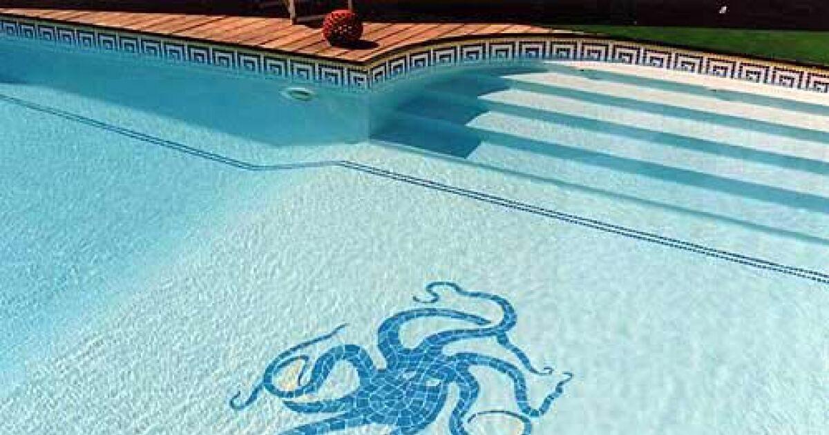 les mosa ques en pierre pour piscine. Black Bedroom Furniture Sets. Home Design Ideas