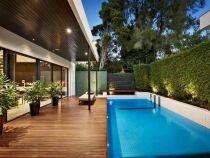 Mur végétal, palissade et pare-vue pour une piscine à l'abri des regards