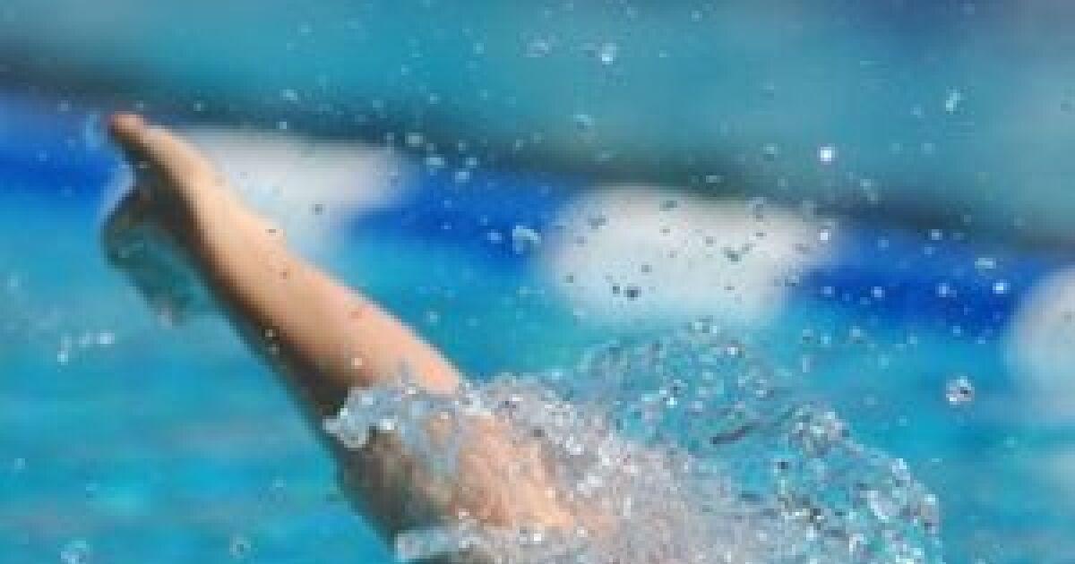 muscler son dos avec la natation. Black Bedroom Furniture Sets. Home Design Ideas