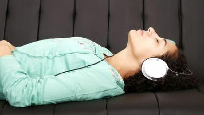 """La musicothérapie est une thérapie utilisant les sons pour détendre et soulager.<span class=""""normal italic petit"""">© Spectral-Design - Fotolia.com</span>"""