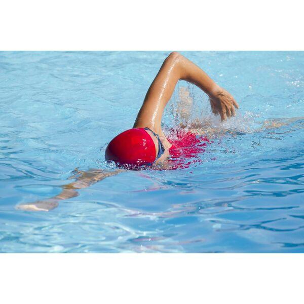 Nager le crawl avec un pull buoy - Nager en piscine avec des palmes ...