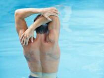 Nager pour soulager le mal de dos