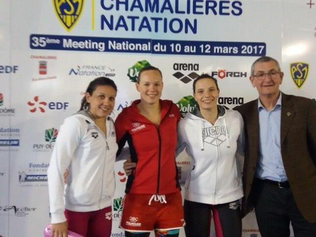 Julie Berthier (au milieu) est arrivée 1ère au 1500m NL. Elle réalise la meilleure performance française au classement du 1500m.