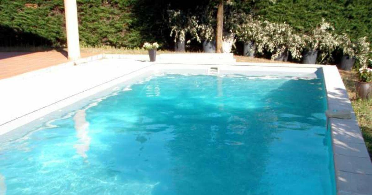 Piscine nature eau jardin colomiers pisciniste for Piscine haute garonne