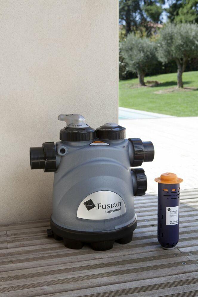 Nature2 Fusion™ effectue un traitement préventif complet, ultra novateur, respectueux de la nature et de l'environnement, pour une eau pure et douce, en toute simplicité.© Zodiac