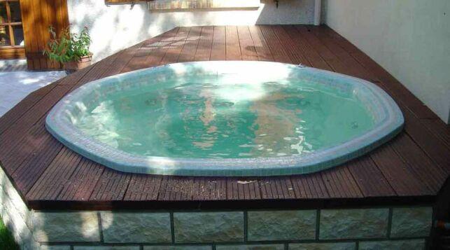 Nouveauté Clair Azur : modèle de spa hexagonal en mosaïque Olympia