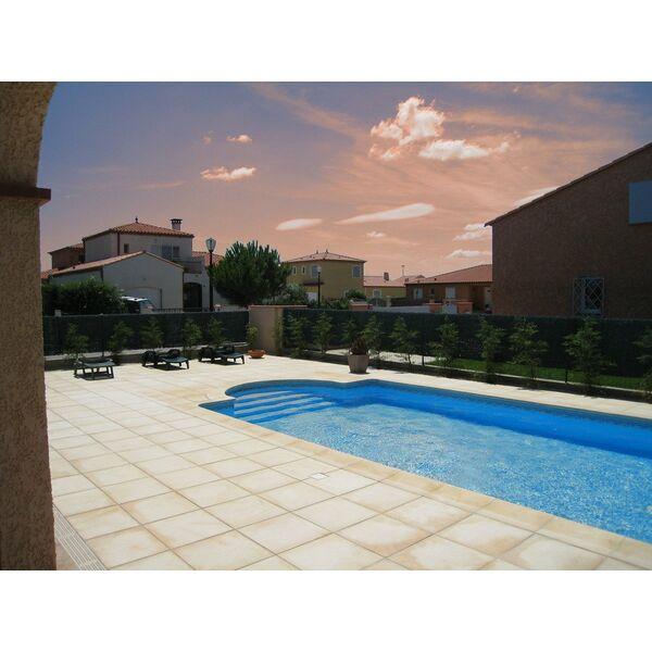 Objectif services piscines torreilles pisciniste for Piscine pyrenees orientales