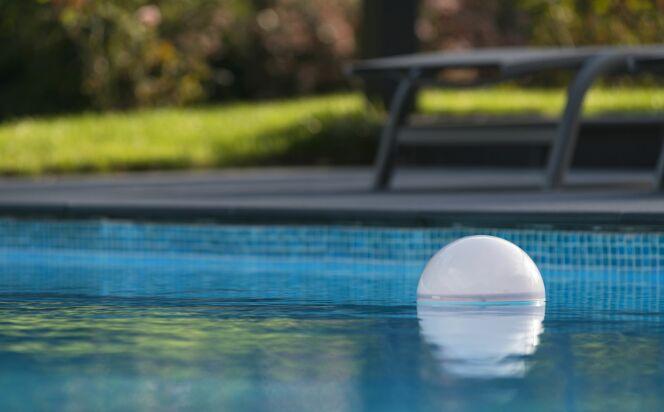 Ofi, pour gérer votre piscine à distance facilement