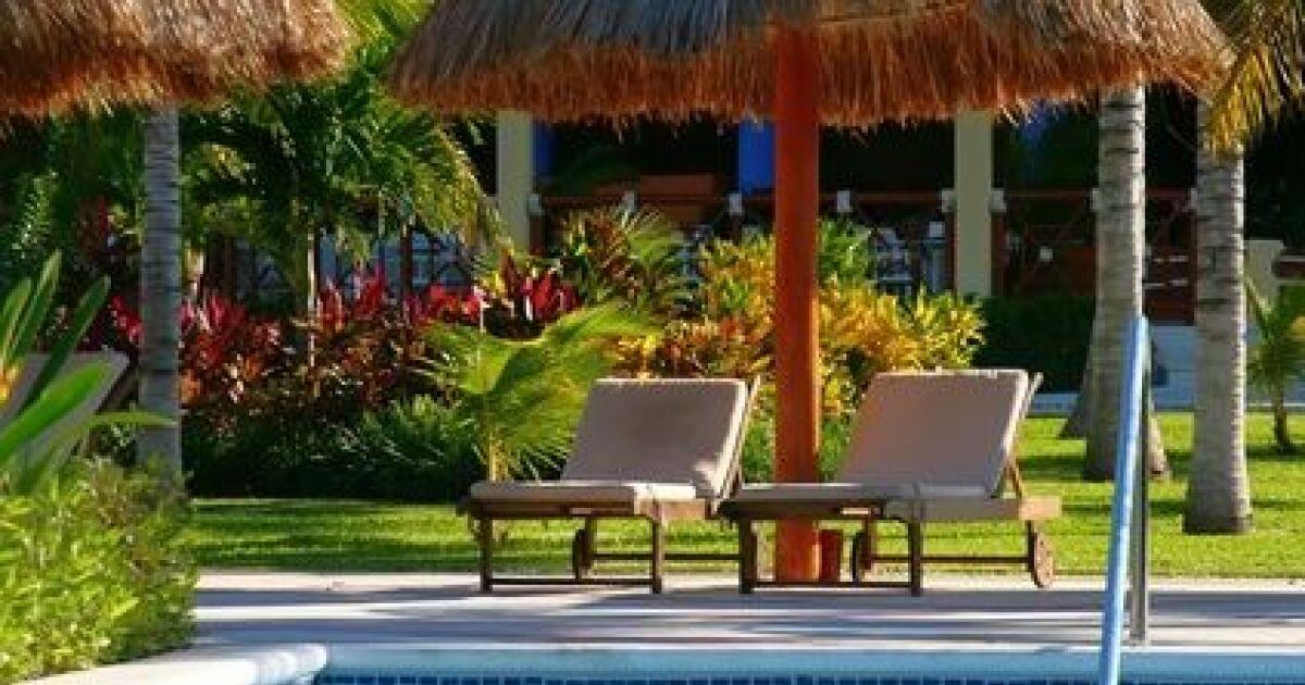 comment ombrager sa piscine se baigner l 39 ombre. Black Bedroom Furniture Sets. Home Design Ideas