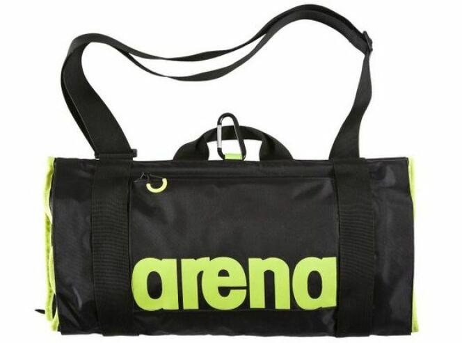 "On a testé le sac Fast Roll en nylon d'Arena<span class=""normal italic petit"">© Arena</span>"
