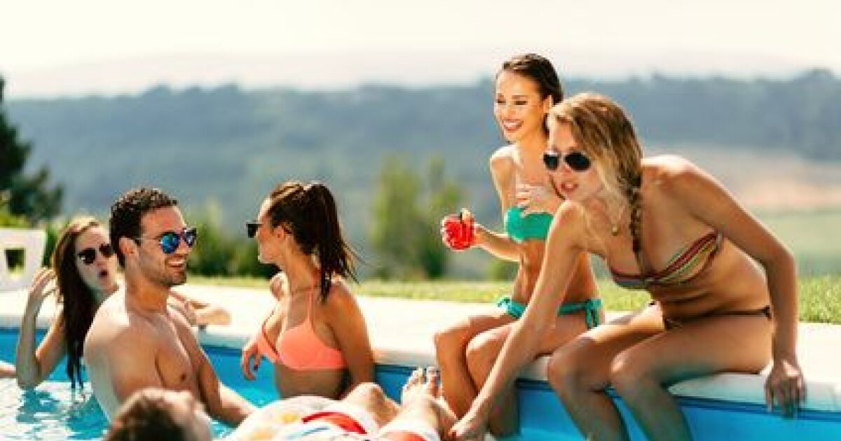 Pr parer la piscine avant le d part en vacances - Comment entretenir une piscine ...