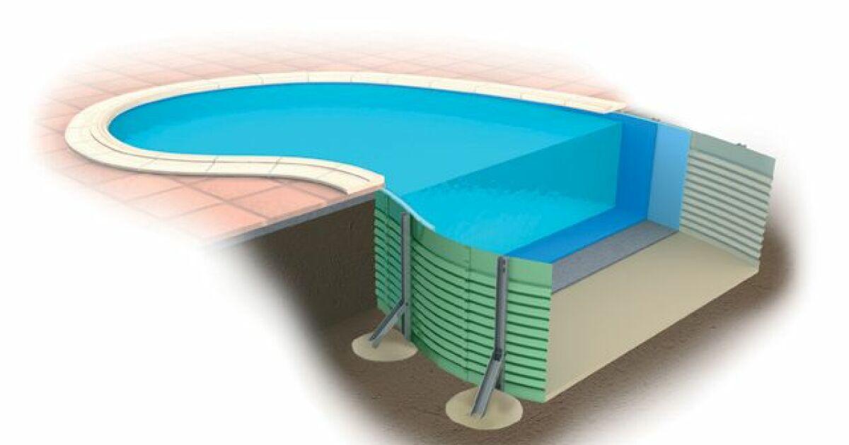 Une piscine en panneaux modulaires proc d et tapes de for Cout d une piscine en beton
