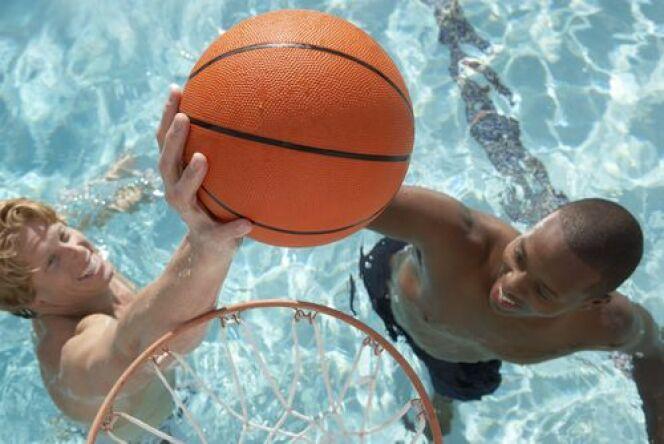 Panier de basket  pour la piscine