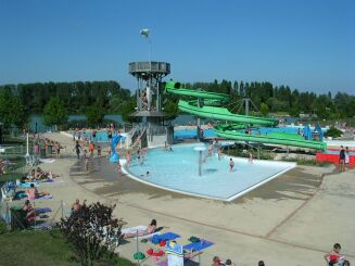 Le toboggan aquatique de la piscine Ludolac à Vesoul