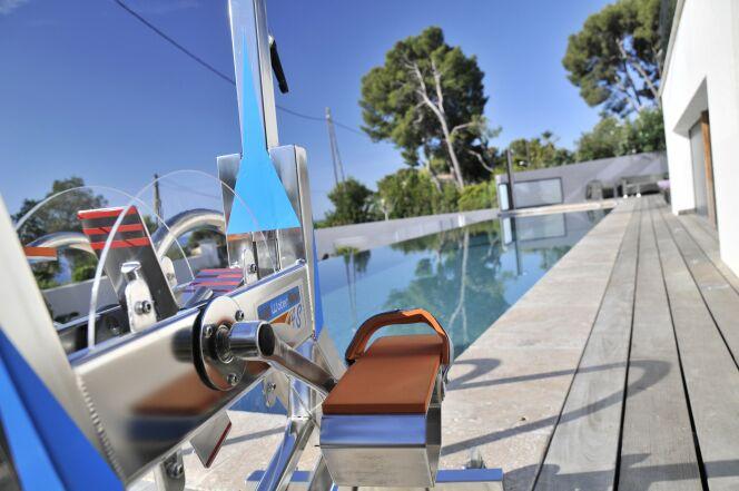 """Parole de kiné : « L'aquabike cumule les effets bénéfiques »<span class=""""normal italic petit"""">© Waterflex</span>"""