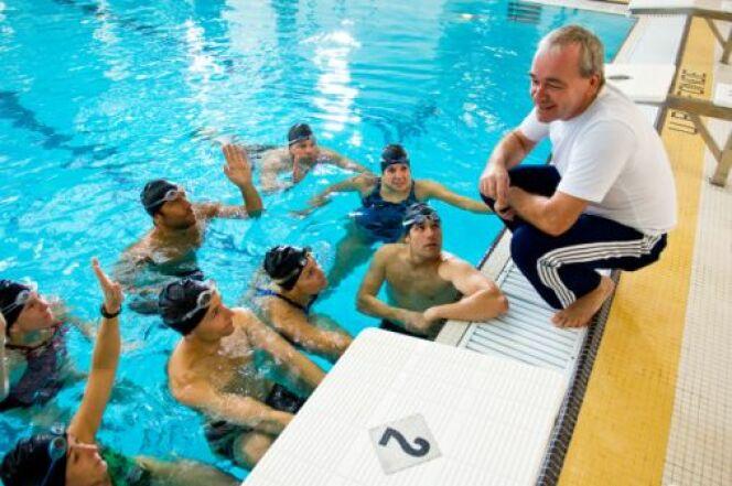 """Participer à un stage de perfectionnement natation<span class=""""normal italic petit"""">© Jupiterimages - Thinkstock</span>"""