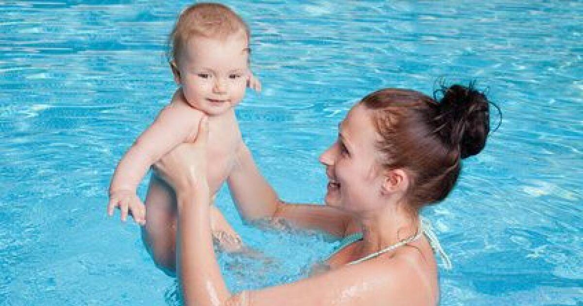 La cure thermale post natale se d tendre apr s l for Accouchement piscine
