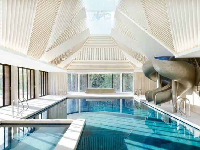Pavillon de piscine par Rafael de Cardenas