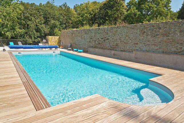 Permis de construire ou déclaration de travaux pour ma piscine : que dois-je faire ?