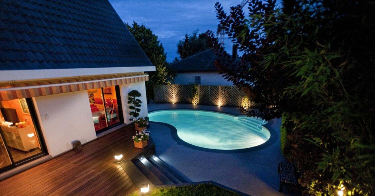 Accessoires de piscine tous les quipements pour personnaliser votre piscine - Piscine maison nuit limoges ...