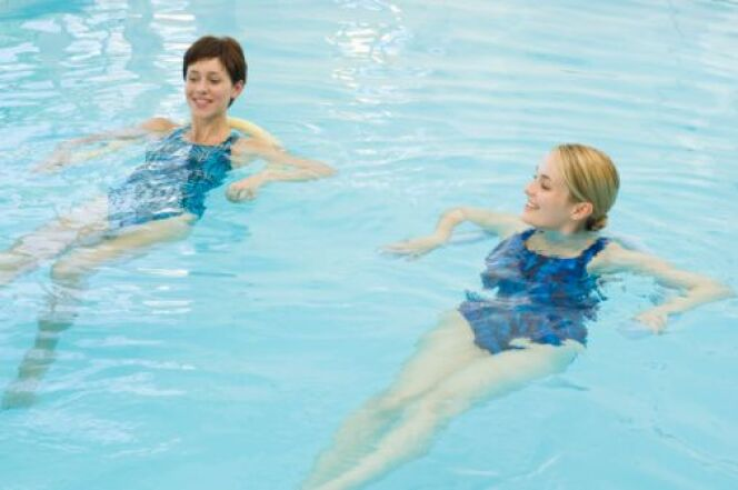 "Peut-on faire de l'aquagym sans savoir nager ?  <span class=""normal italic petit"">© Thinkstock</span>"