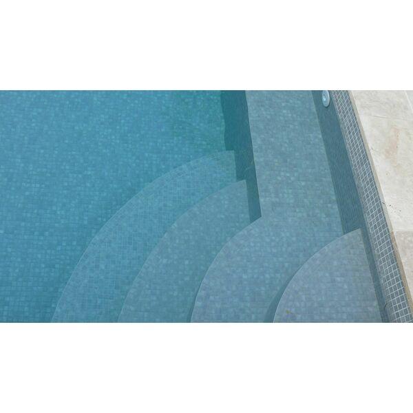 Piscine avec escalier d 39 angle carr bleu - Escalier d angle piscine beton ...