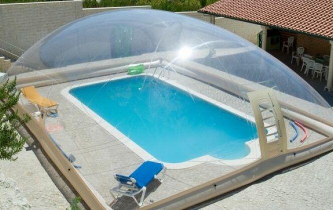 Abri de piscine gonflable © Dome Jessica