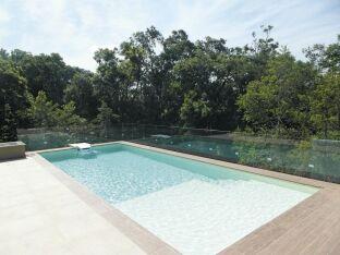 Photos de piscines de taille standard (8x4)