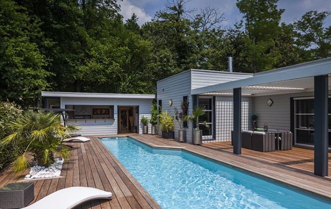 Photos de terrasses de piscine © Piscines Magiline