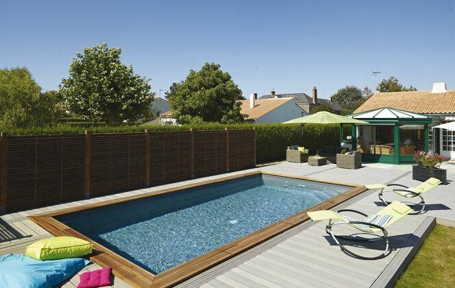 Photos de terrasses de piscine © Piveteaubois - piscine bois maéva