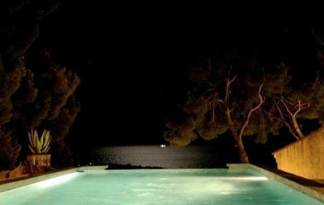 Photos piscines de nuit © Piscines Marinal
